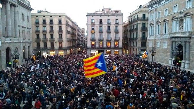 Llibertat immediata i sense càrrecs a tots els detinguts i detingudes dels CDR! Prou criminalització!