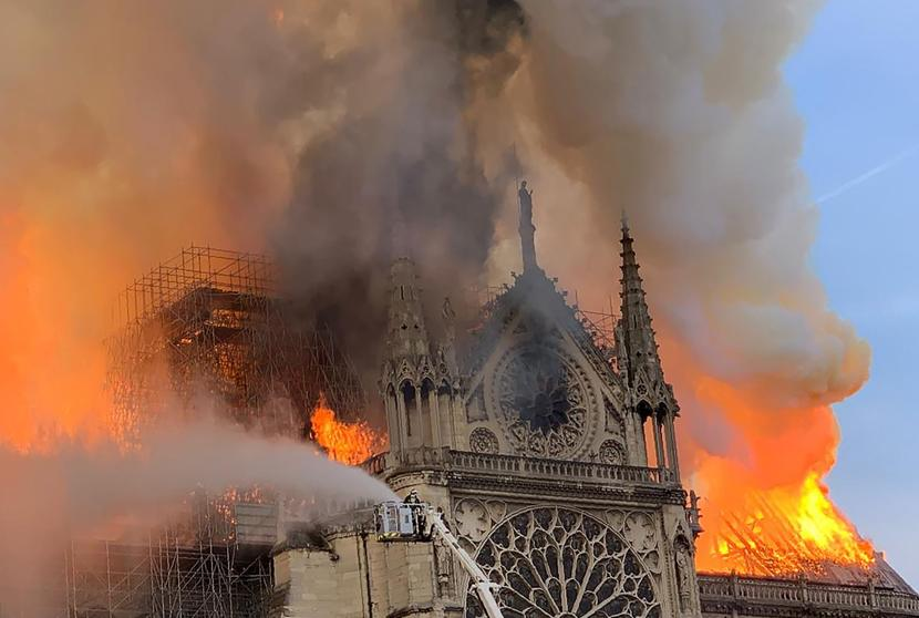 Notre Dame cathedral in Paris on fire | ABC News Special Report live stream - YouTube