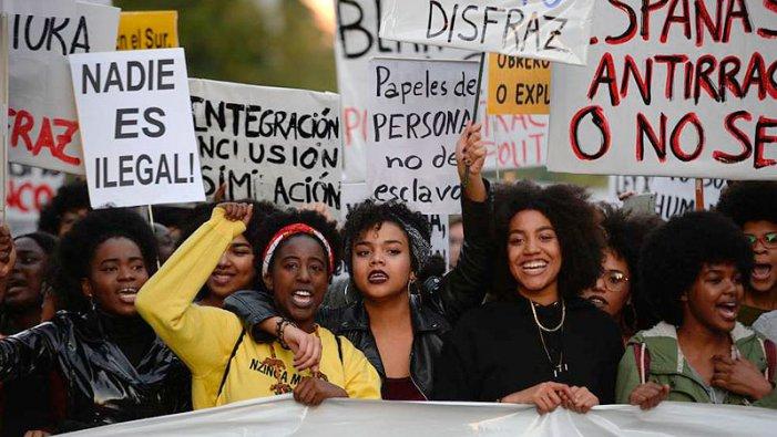 """Immigrants: 5 milions de """"ciutadans de segona"""" sense dret a votar aquest diumenge"""