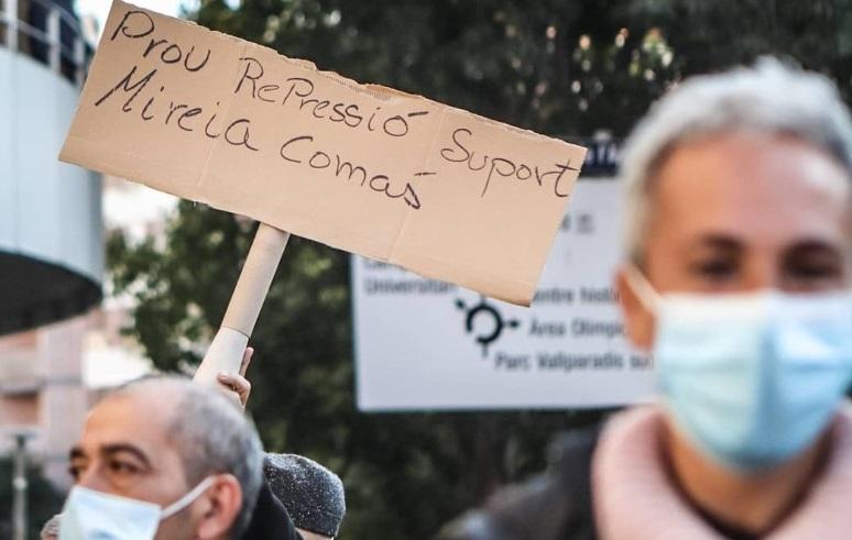 [Fotogaleria] Manifestació en suport de la fotoperiodista Mireia Comas