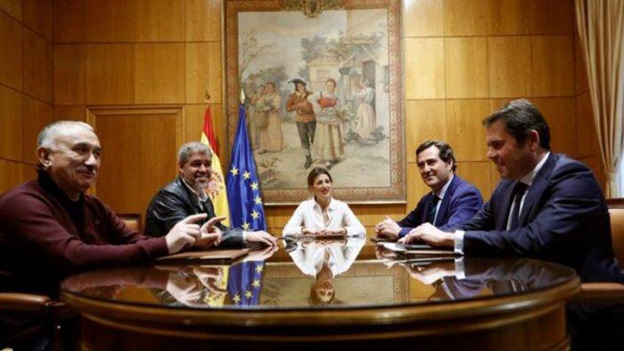 Govern, sindicats i patronal apunten a una pròrroga dels ERTO
