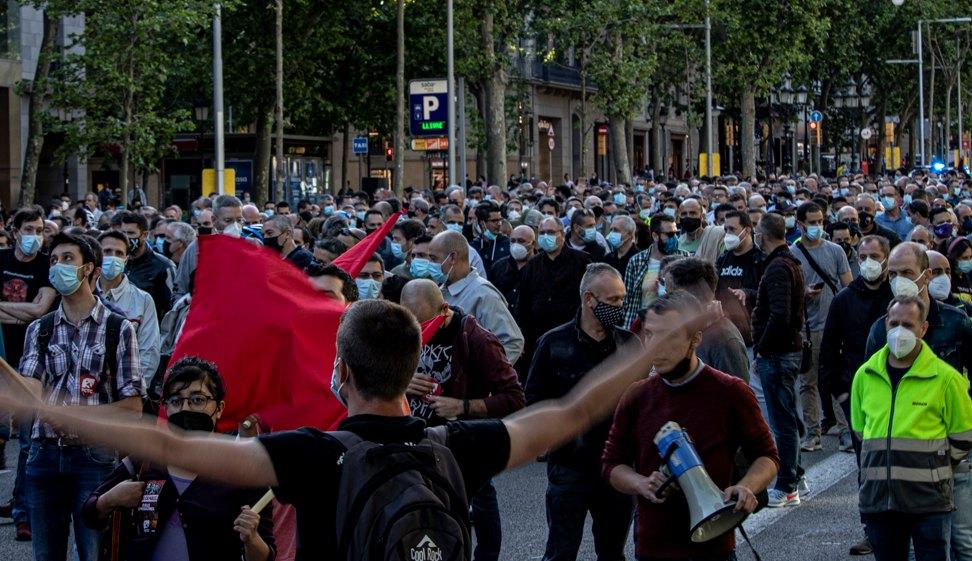 """Nissan: els treballadors critiquen la Generalitat i el govern central per la """"no-industrialització"""""""