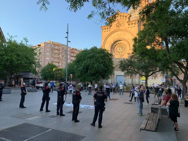 Els Mossos reprimeixen les concentracions de #RecuperemElsCarrerrs